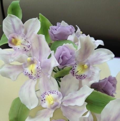 Два сердца с орхидеями 6 кг
