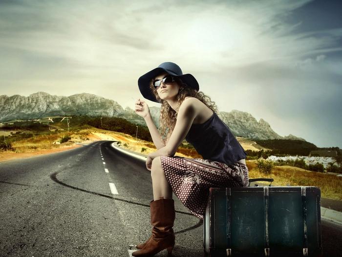 Девушка, дорога, чемодан, попутчица, горы обои, картинки, фото.