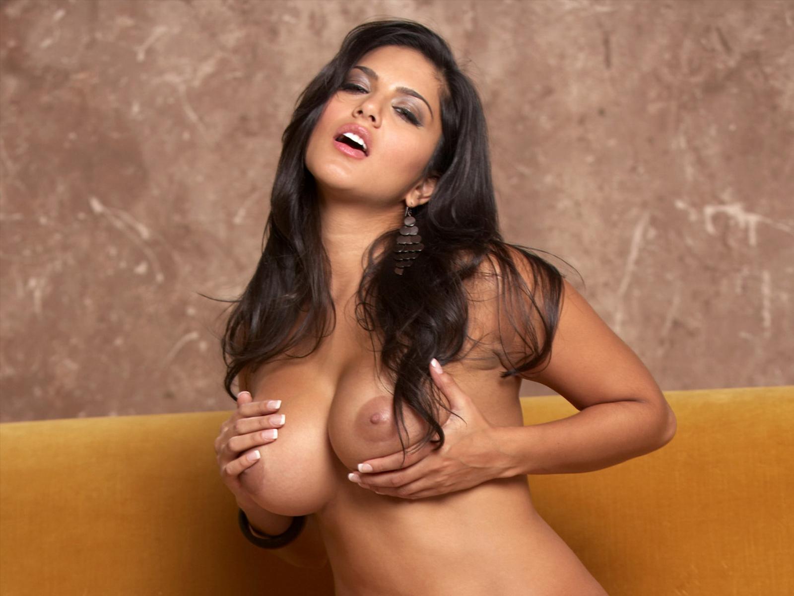 Самые красивые девушки мира с самой красивой грудью 12 фотография