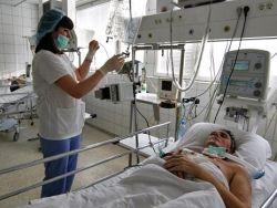 Как россиян подталкивают к платной медицине