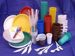 Питание из пластиковой посуды опасно для здоровья