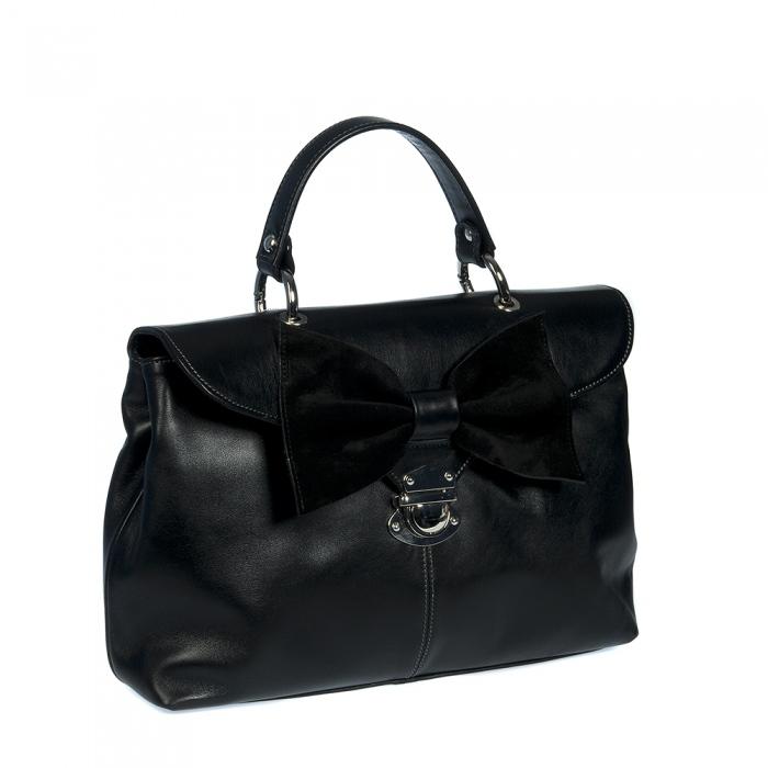 Элегантная кожаная сумка Alessandro Birutti черного цвета с бантом.